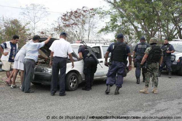 Taxi descompuesto desata movilizacion policiaca