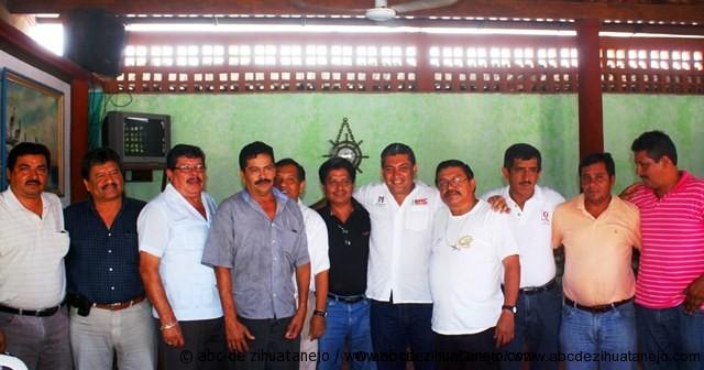Se integran y reconocen líderes transportistas al proyecto de Eric Fernández Ballesteros