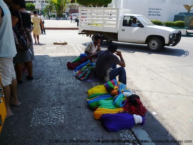 Indigenas sin mercado para sus hamacas