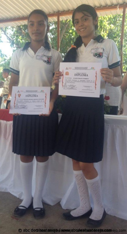 Hoy participan en Olimpiada del Conocimiento en Acapulco dos alumnas de escuela rural de Petatlán