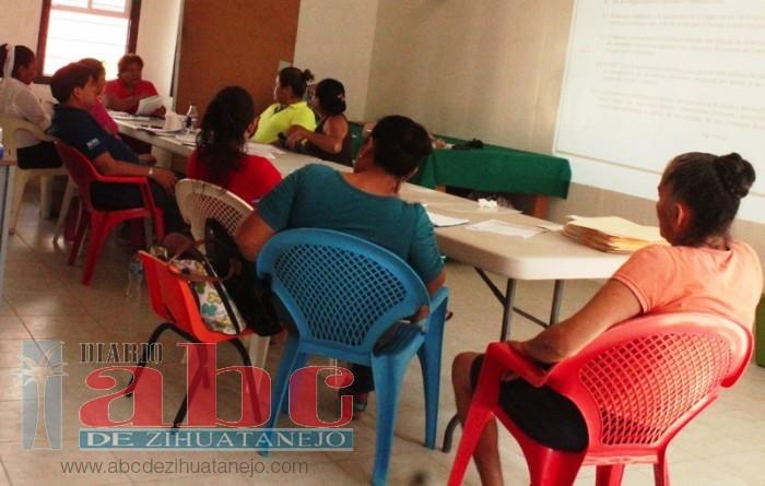 Escuelas Nuevas Iniciar N Clases Con Mobiliario Viejo