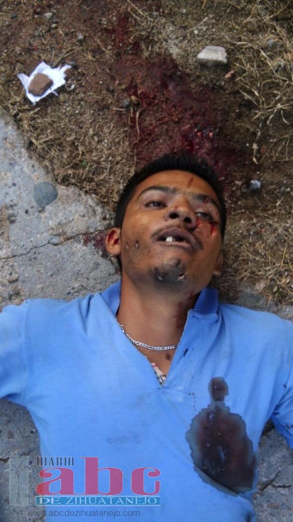 Asesinan a balazos a un joven en Atoyac