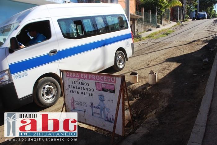 CAPAZ sigue dañando la calle principal de La Esperanza