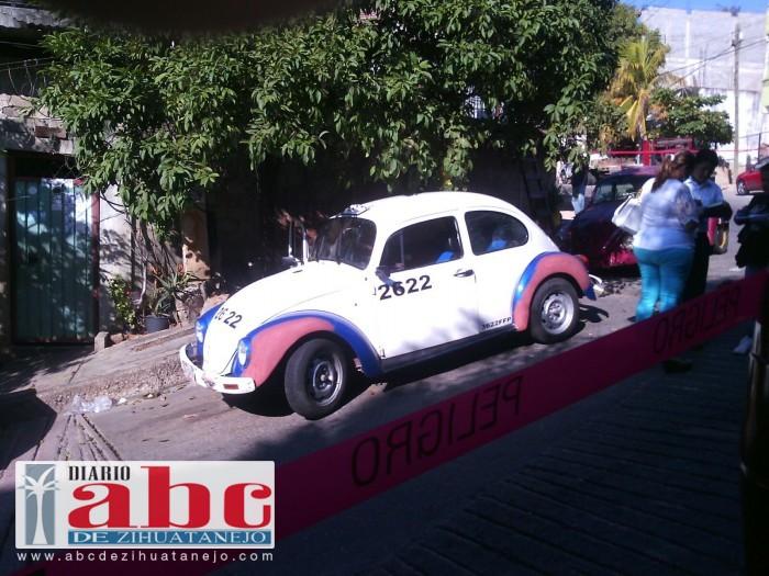 Hallan a decapitado dentro de un taxi azul de Acapulco