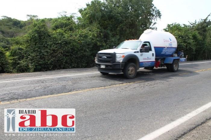 Sin retomarse rehabilitación de carretera a playa Linda