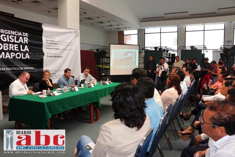 Con la legalización de la amapola se coadyuvará a combatir la pobreza en la entidad y los productores podrán tener una mejor calidad de vida