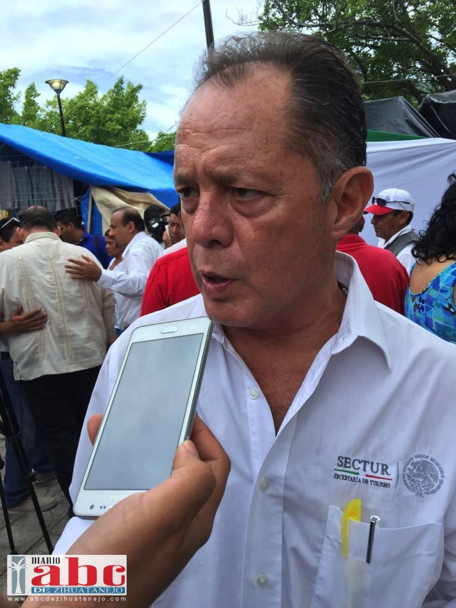 El delegado de Fonatur Ixtapa, Salvador Romero Domínguez.