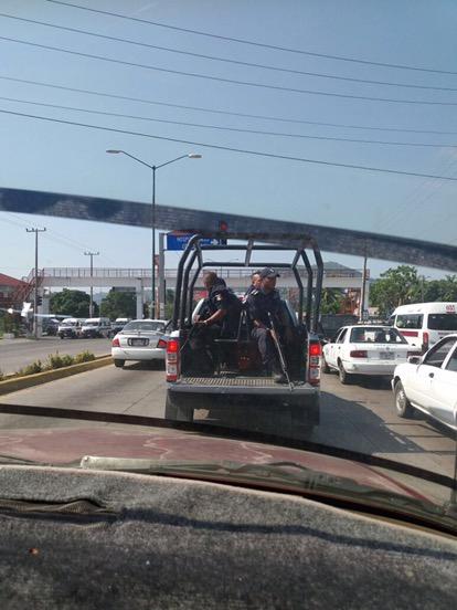 Levantan sujetos armados y luego liberan a policía municipal de Zihuatanejo