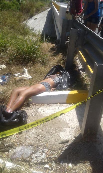 Hallan el cadáver embolsado de una joven en Coyuca de Benítez