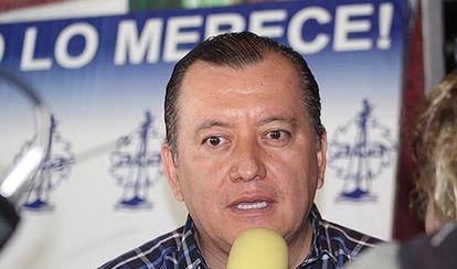Javier Saldaña, aspirante a la reelección como rector