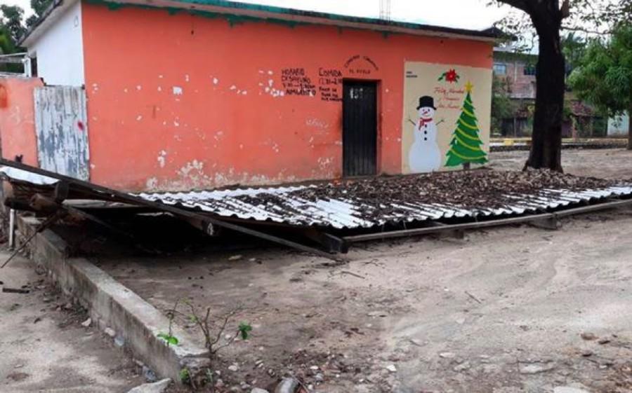 Lluvias at picas derrumba el corredor de un comedor for Como abrir un comedor comunitario