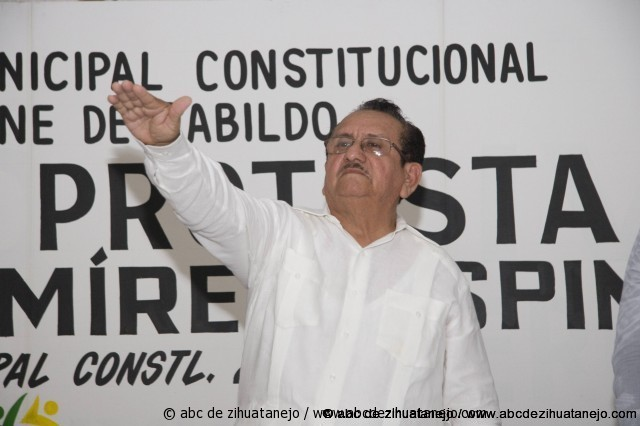 Photo of Rinde protesta Jorge Ramírez como alcalde de Petatlán