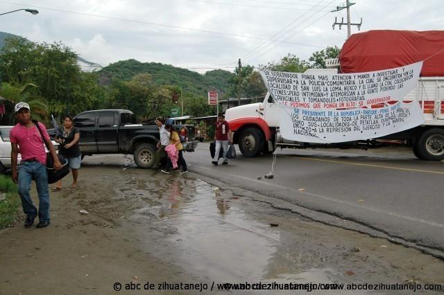 Photo of Nuevo Bloqueo a la carretera Acapulco-Zihuatanejo en Coyuquilla Norte