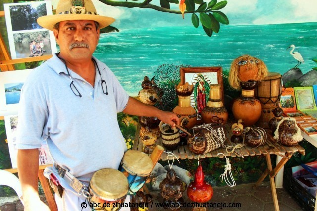 Photo of Promueven elaboración de artesanías de coco y tejido, dentro del Cereso
