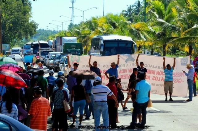 Photo of Segundo bloqueo de la Ceteg al boulevard del aeropuerto