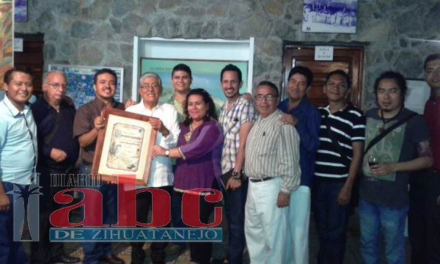 Photo of Rinde Pezac homenaje a Lázaro Ramírez