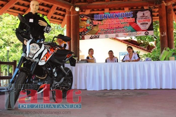 Photo of Comenzó el encuentro de motociclismo Doble Propósito Zihua 2015