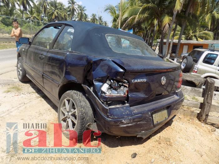 Photo of Ebrios heridos al chocar contra auto estacionado