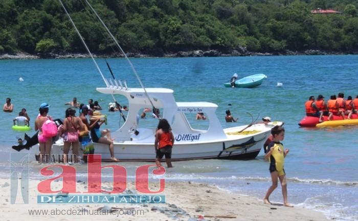 Photo of Embarcaciones embarcan y desembarcan en las playas