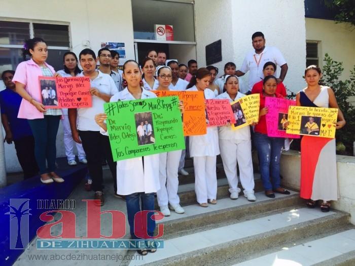 Photo of Otra vez se manifestaron en el hospital básico a dos meses de la desaparición de dos médicos