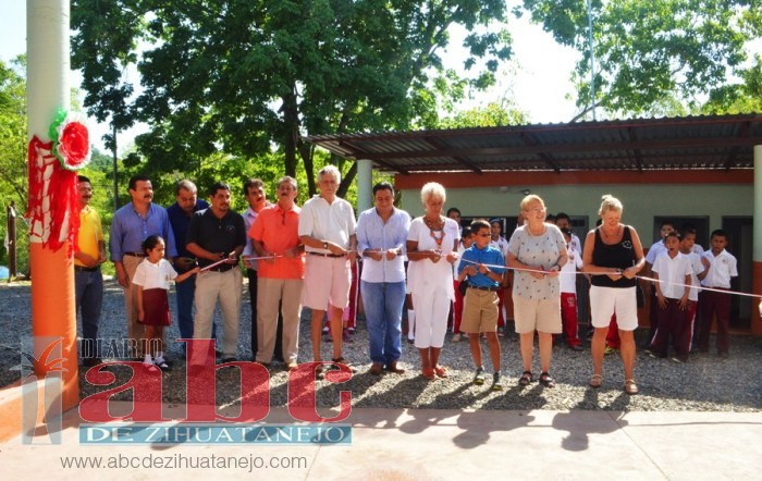 Photo of Pese a crisis, alcalde LFVS cumple compromiso con educación