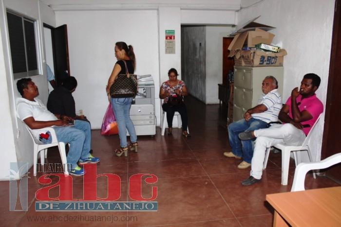 Photo of 150 trabajadores despedidos piden liquidación de ley