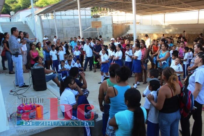 Photo of Cuatro escuelas anuncia marcha el lunes para exigir sean terminadas