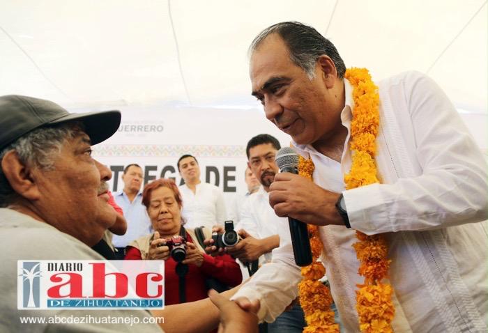 Photo of Los adultos mayores tienen derecho a vivir con dignidad y siempre estaremos al pendiente de ustedes: Héctor Astudillo