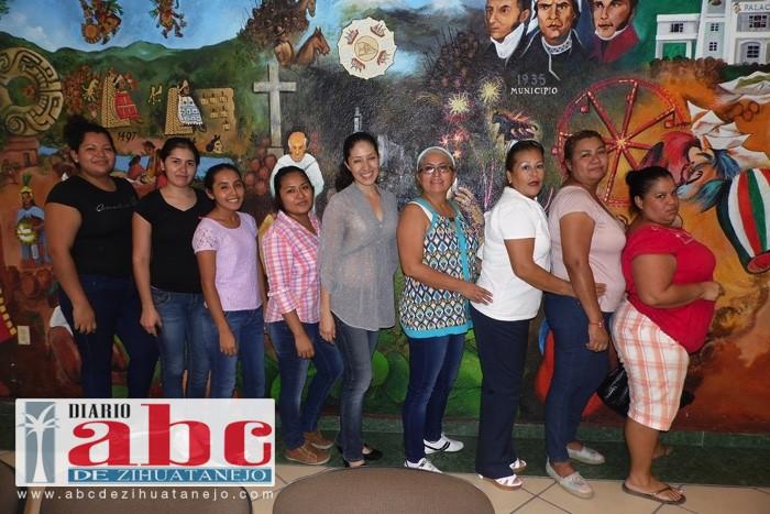 """Photo of Concluyó curso """"Crecer Juntos"""" a Personal del DIF y escuelas"""