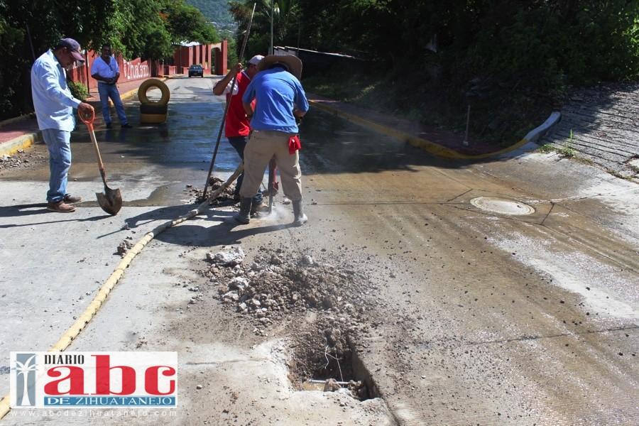 Photo of Nuevamente rompen pavimento de la escénica La Ropa por fuga