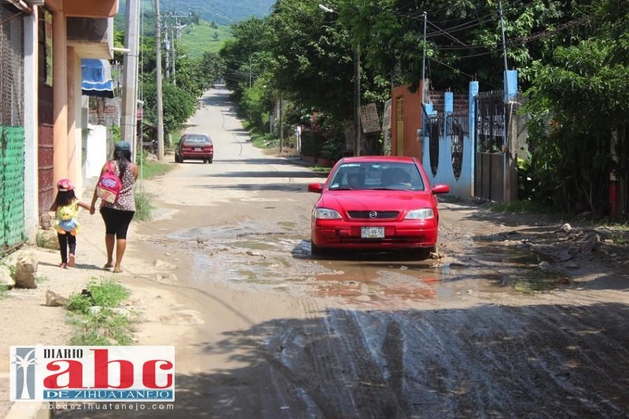 Photo of Acceso a La Vista Hermosa (Las Pozas), se vuelve una laguna durante las lluvias