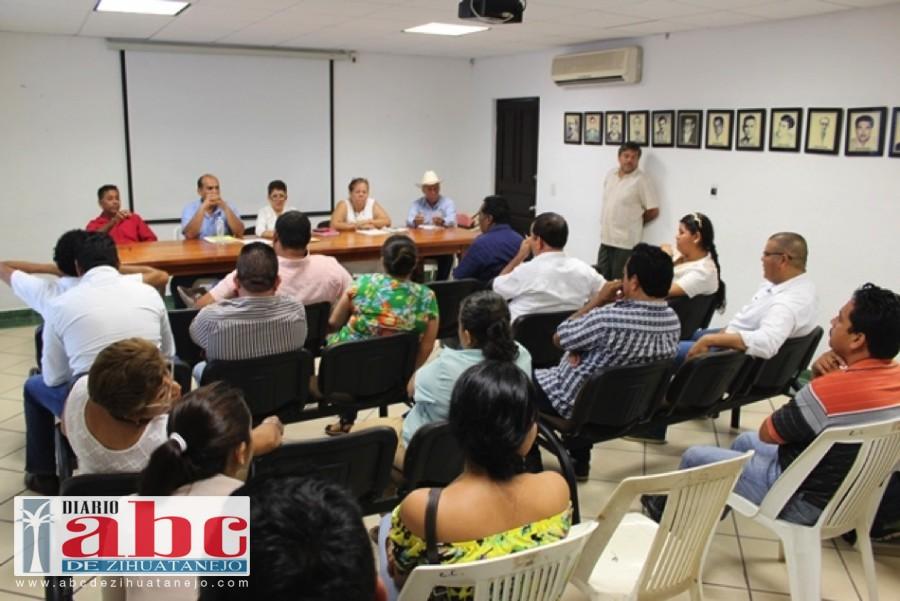 Photo of Organiza Arturo Gómez Pérez reuniones semanales de evaluación de programas y acciones municipales