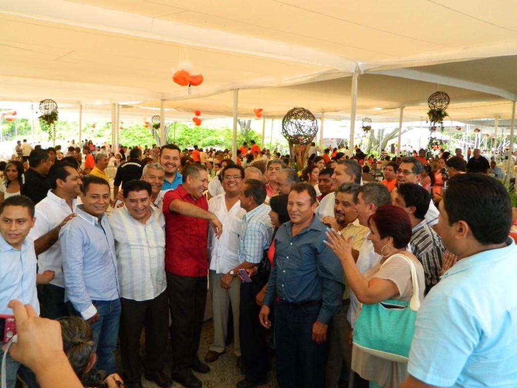Photo of Descontento en fraccionamiento en Zihuatanejo impulsadopor dirigente del SNTE en Guerrero Hilario Ruiz Estrada