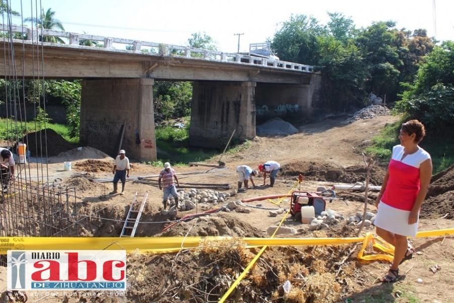 Photo of Iniciaron los trabajos de construcción del andado en el puente de El Coacoyul