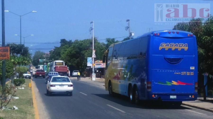 Photo of Inconformidad por dejar estacionados autobuses en el bulevar