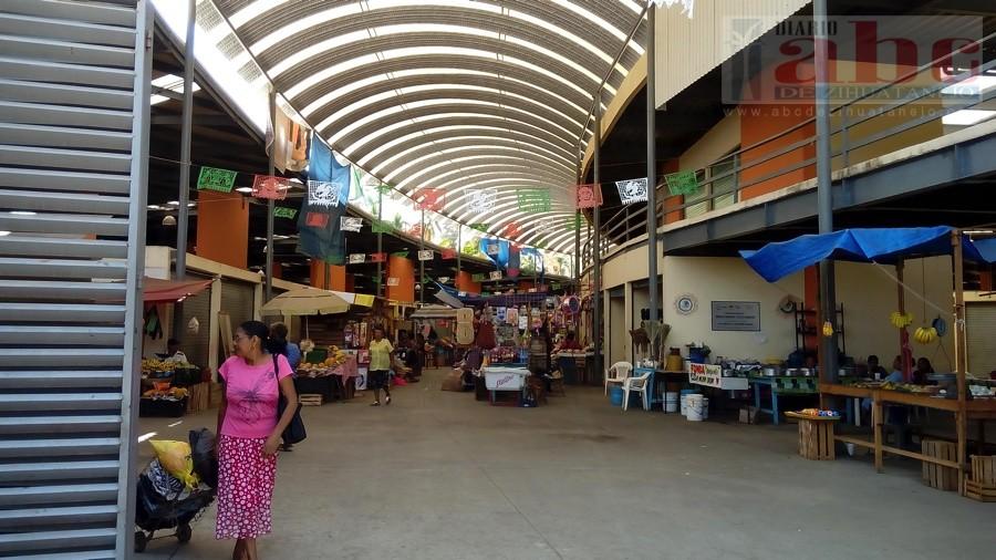 Photo of Piden comerciantes de Coyuca al alcalde, bases de transporte en nuevo mercado