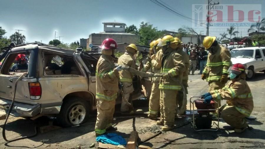 Photo of El Gobierno Municipal de Petatlán, lamenta las consecuencias del  trágico accidente  y atienden de manera oportuna a los lesionados