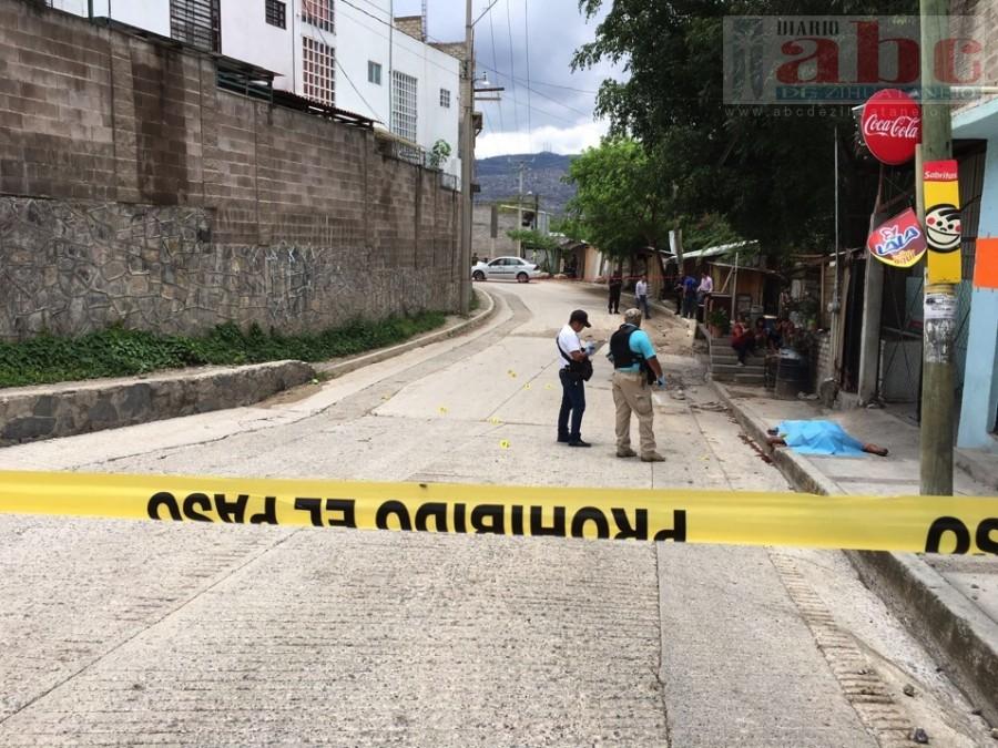 Photo of En Chilpancingo… Masacran a un carpintero frente a sus hijos; le dieron once balazos