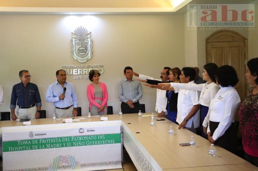 Photo of Toma protesta al Patronato del Hospital de la Madre y el Niño Guerrerense; el objetivo es eficientar el servicio y vigilar la adquisición de insumos y equipamiento
