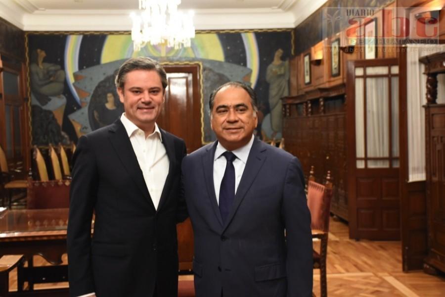 Photo of El gobernador Héctor Astudillo Flores, sostuvo una reunión de trabajo con el secretario de Educación Pública, Aurelio Nuño