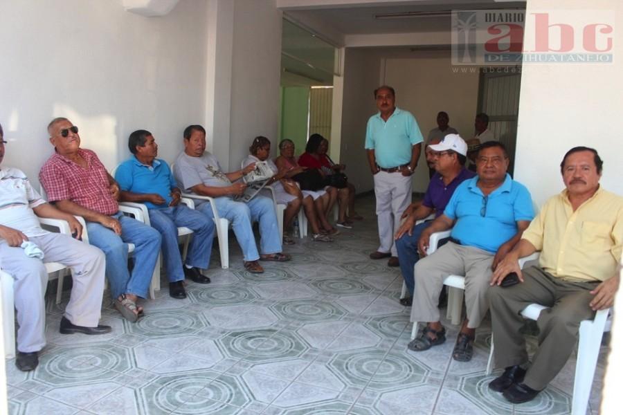 Photo of Jubilados de la CFE iniciaron huelga de hambre para exigir sus instalaciones
