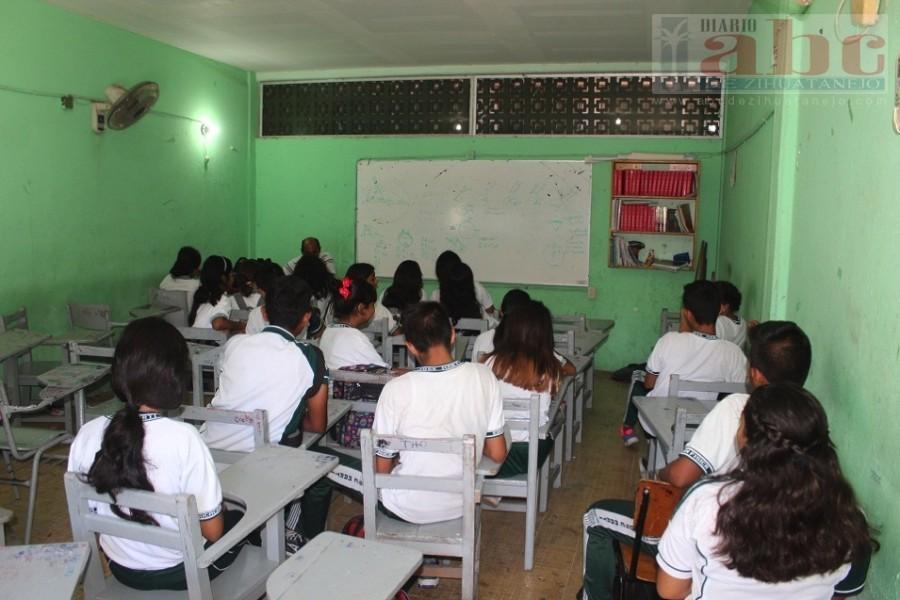 """Photo of Por riesgo en las instalaciones reducirán matrícula en la secundaria """"José Martí"""""""
