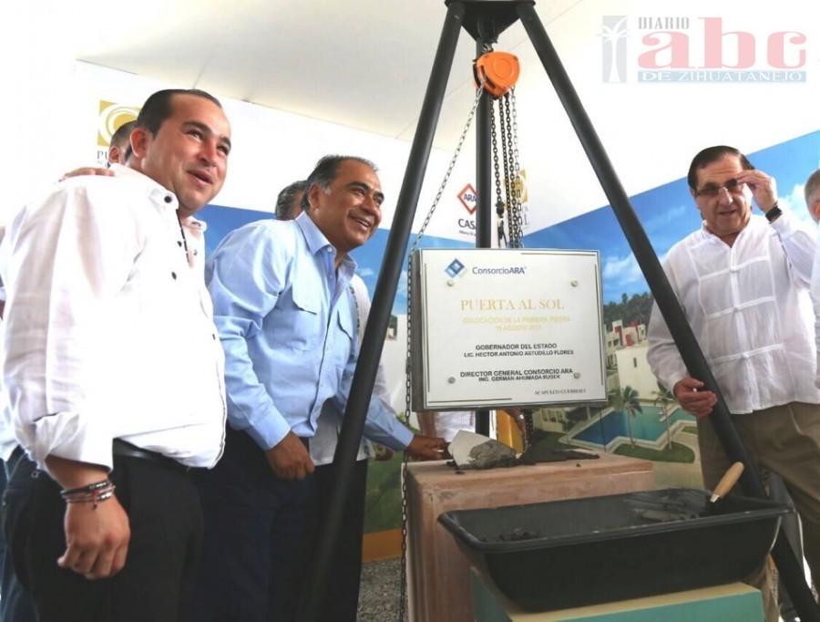 Photo of Inaugura el gobernador la primera etapa de «Puerta al Sol» y colocó la primera piedra de la segunda etapa