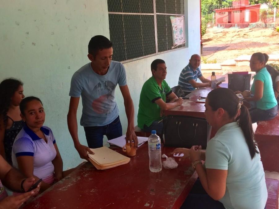 Photo of Piden maestros a la SEG cumpla con el equipamiento