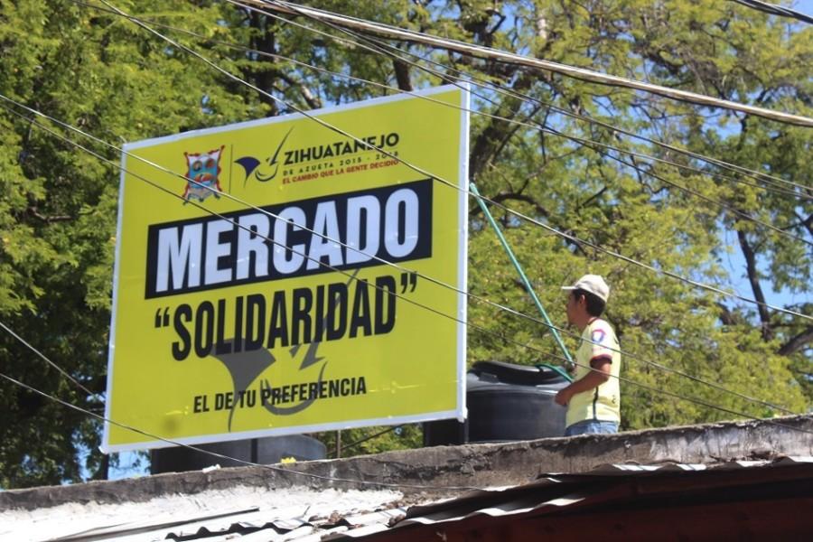 """Photo of Colocan letrero nuevo en mercado """"Solidaridad"""" y hay muchas carencias"""