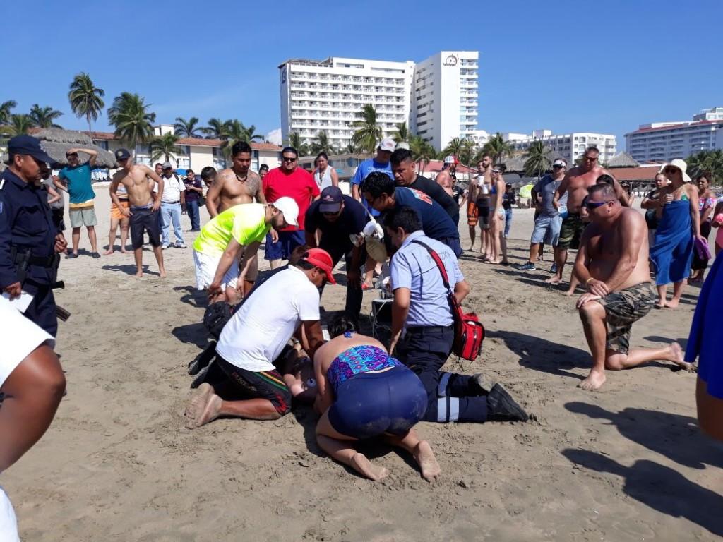 Photo of Muere ahogado turista Danés en playa certificada El Palmar de #Ixtapa