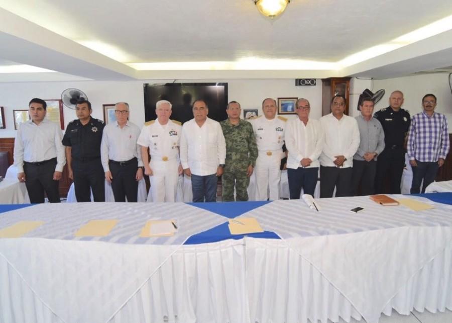 Photo of Evalúa acciones de seguridad pública el gobernador Astudillo con grupo de coordinación Guerrero