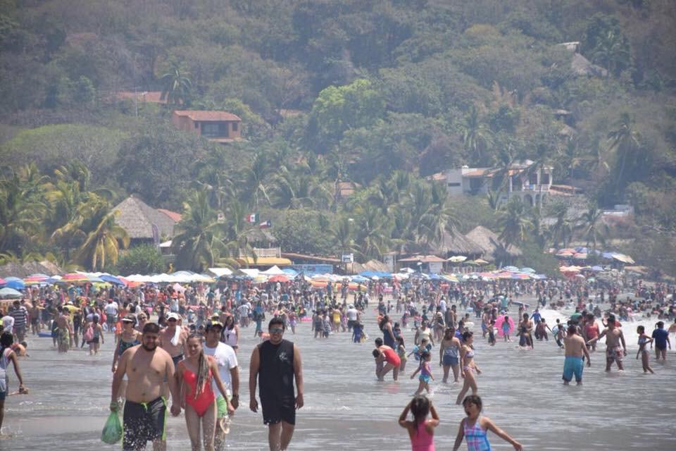 Photo of Más de 700 mil turistas visitaron #Guerrero en Semana Santa