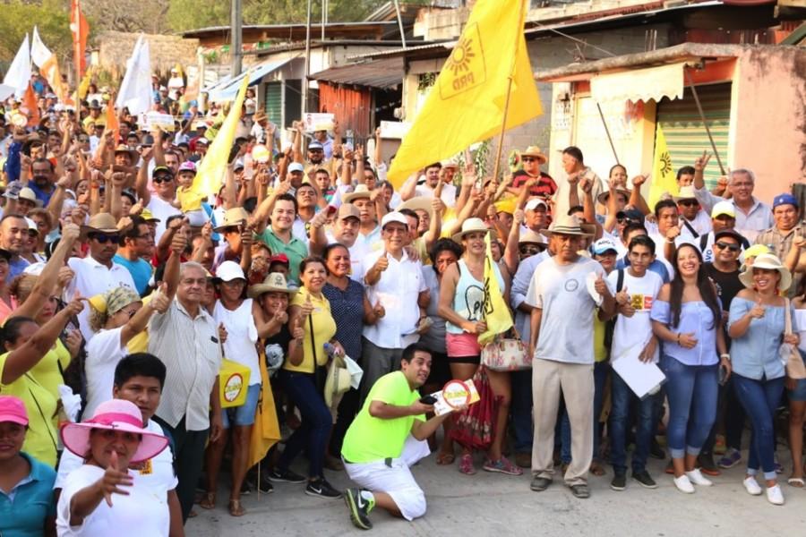 Photo of Gustavo García Bello convence en Los Achotes con su proyecto político