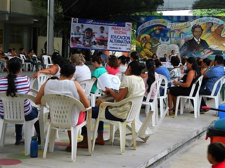 Photo of Maestros democráticos reciben taller sobre educación alternativa